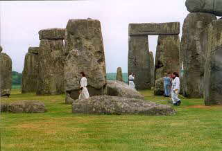 2001 Stonehenge 08 in the stones